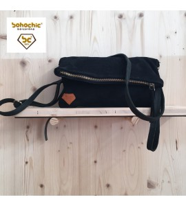 Bolso pocket Color negro agujeros